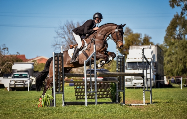 Sam Jeffree & Santoro - Showjumping - Photo by Capture Dat Photography